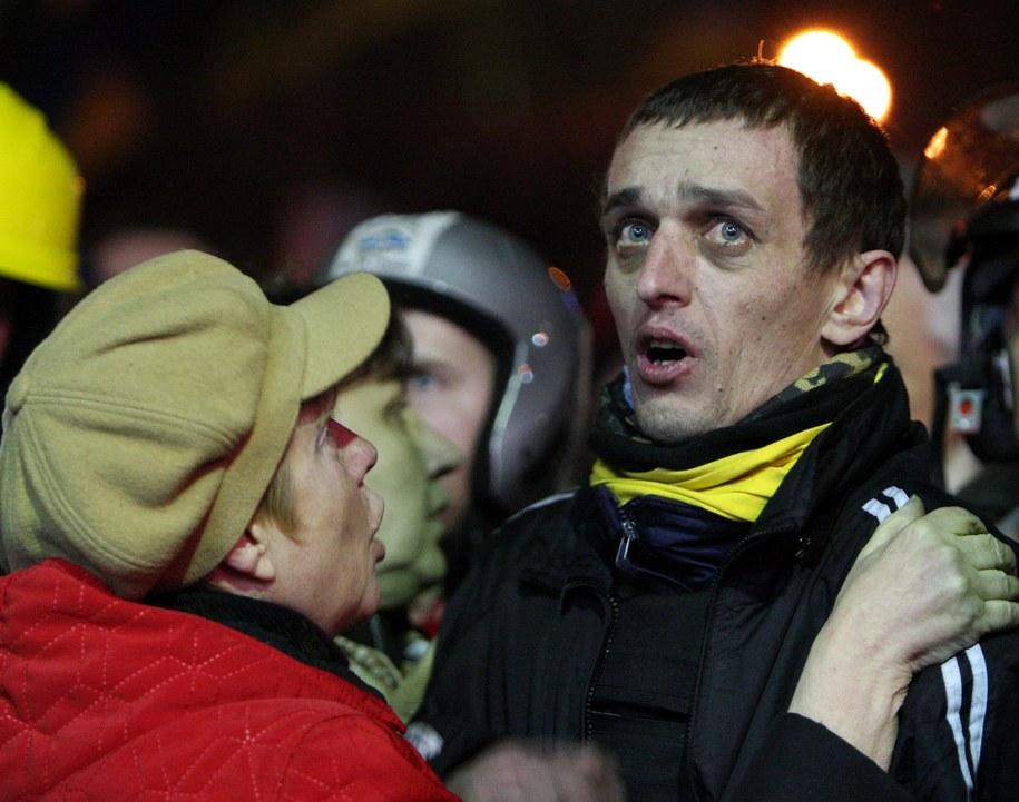 Jeden z manifestantów na Majdanie /IGOR KOVALENKO /PAP