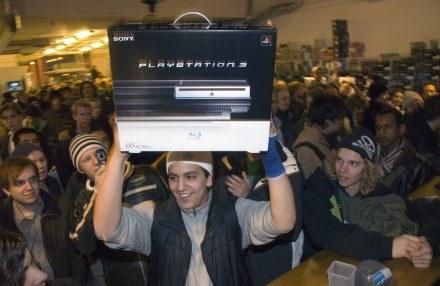 Jeden z pierwszych graczy, który kupił PS3 - Szwecja /AFP