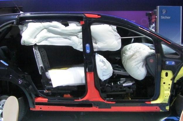 Jedna czy dwie poduszki to już zdecydowanie za mało... /INTERIA.PL