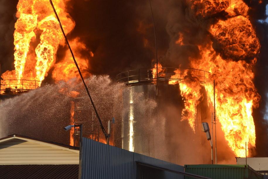 Jedna osoba zginęła, a kilkanaście zostało rannych /UKRAINE EMERGENCIES MINISTRY /PAP/EPA