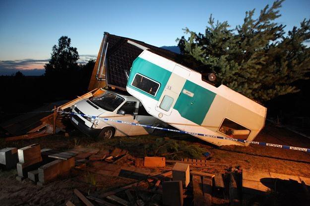 Jedna osoba zginęła w domku letniskowym we wsi Wycinki, fot. Piotr Wittman /PAP