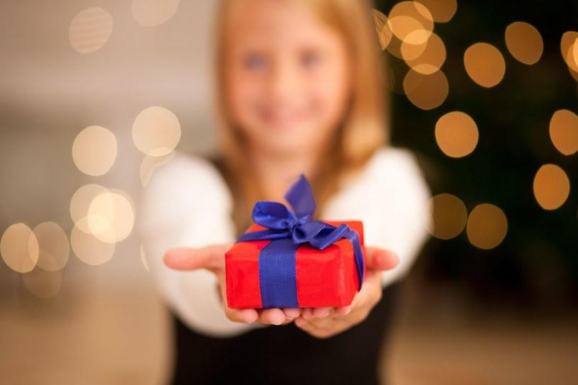Jedna piąta włoskich rodzin zrezygnowała w tym roku z kupowania świątecznych. /123RF/PICSEL
