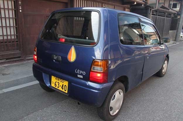 Jedna z poprzednich wersji suzuki alto. Auto to spotkaliśmy w Tokio /INTERIA.PL