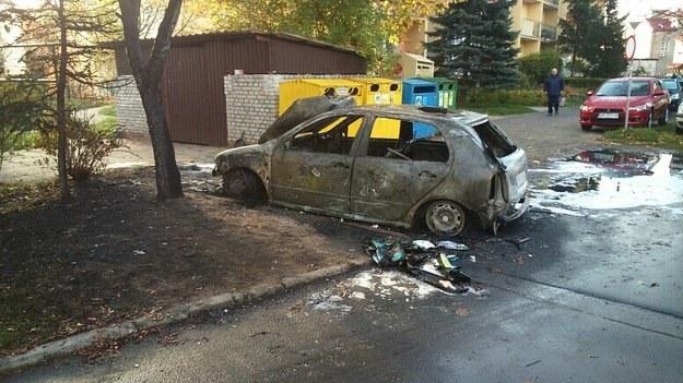 Jedno ze spalonych aut /Komenda Miejska Policji w Gdańsku /