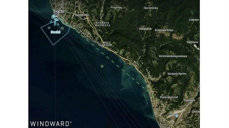 Jednostki pływające znajdujące się nieopodal portu Soczi oraz ich zafałszowana lokalizacja wskazująca na obszar lotniska. Fot. maritime-executive.com /Kosmonauta