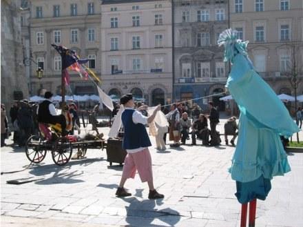 Jednym z przejawów świąt jest jarmark wielkanocny na Rynku Głównym / fot. Andrzej Sierosławski /Modny Kraków