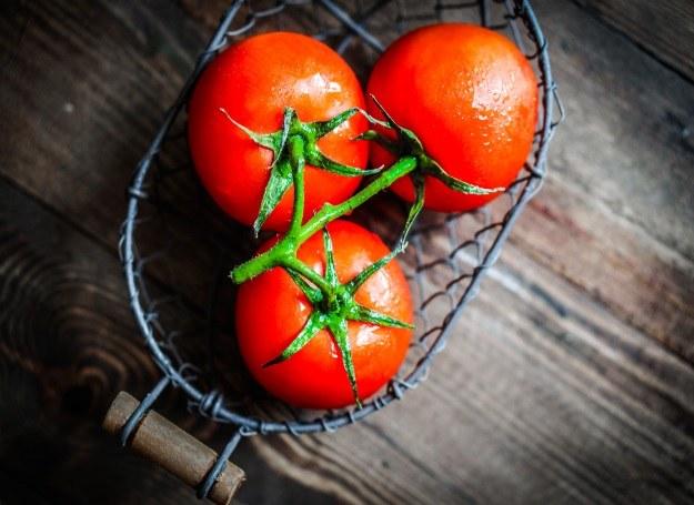 Jedz świeże pomidory - są najzdrowsze! /©123RF/PICSEL