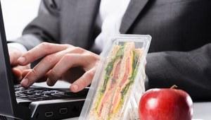 Jedz w pracy. Tylko co?