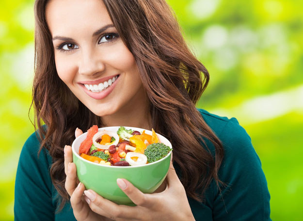 Jedz zdrowo, a poczujesz się lepiej /123RF/PICSEL
