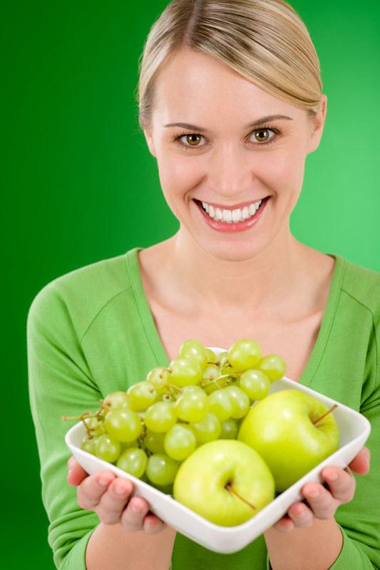 Jedząc owoce sezonowe masz pewność, że są świeże i pełne witamin  /© Panthermedia