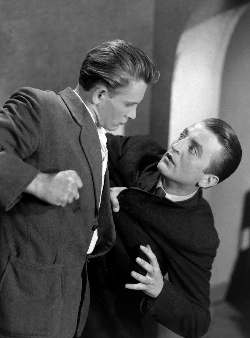 """Jego filmowym debiutem była kreacja w dramacie """"Dwie godziny"""" z 1946 roku /East News/POLFILM"""
