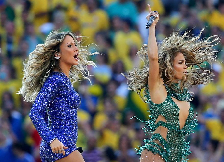 Jennifer Lopez i brazylijska wokalistka Claudia Leitte /DIEGO AZUBEL /PAP/EPA