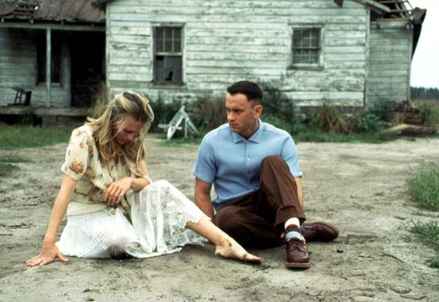 Jenny zarzucała Forrestowi, że jej nie kochał, a on ją kochał od dzieciństwa. Tylko nie umiał tego okazać /Paramount/Courtesy Everett Collection /East News