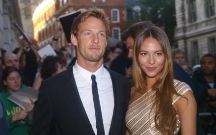 Jenson Button z Jessicą Mishabata. /AFP
