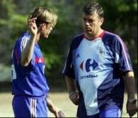 Jerome Rothen i Jacques Santini podczas treningu reprezentacji Francji /AFP