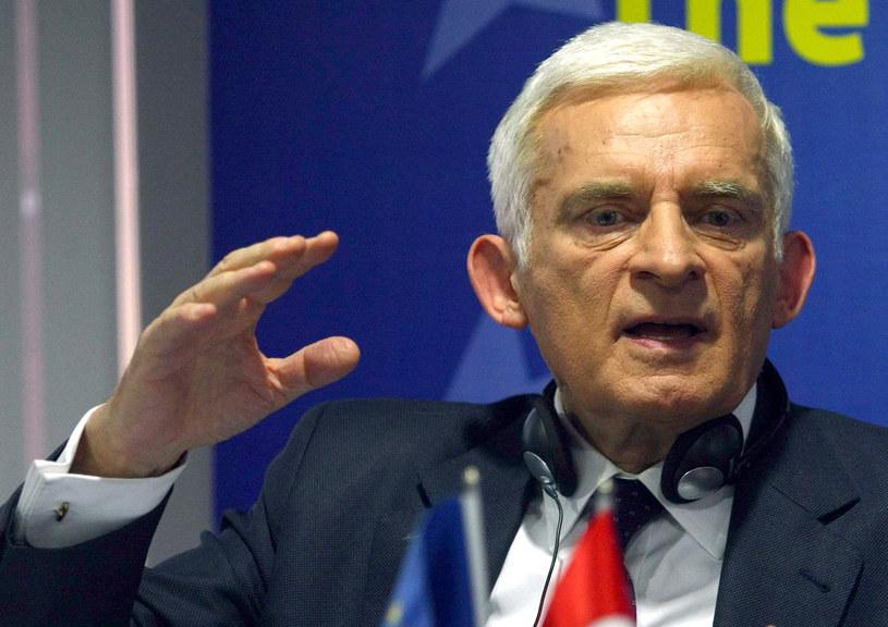 Jerzy Buzek w najważniejszych organach politycznych PE /AFP