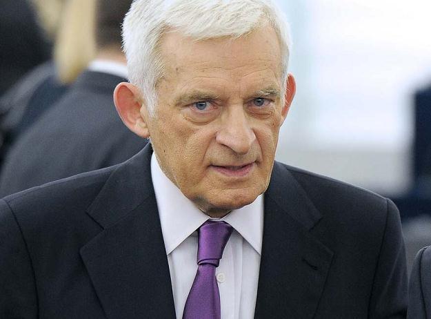 Jerzy Buzek w Parlamencie Europejskim, grudzień 2011 /AFP