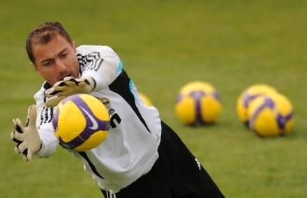 Jerzy Dudek cieszy się, że Alvaro Arbeloa trafił do Realu Madryt /AFP