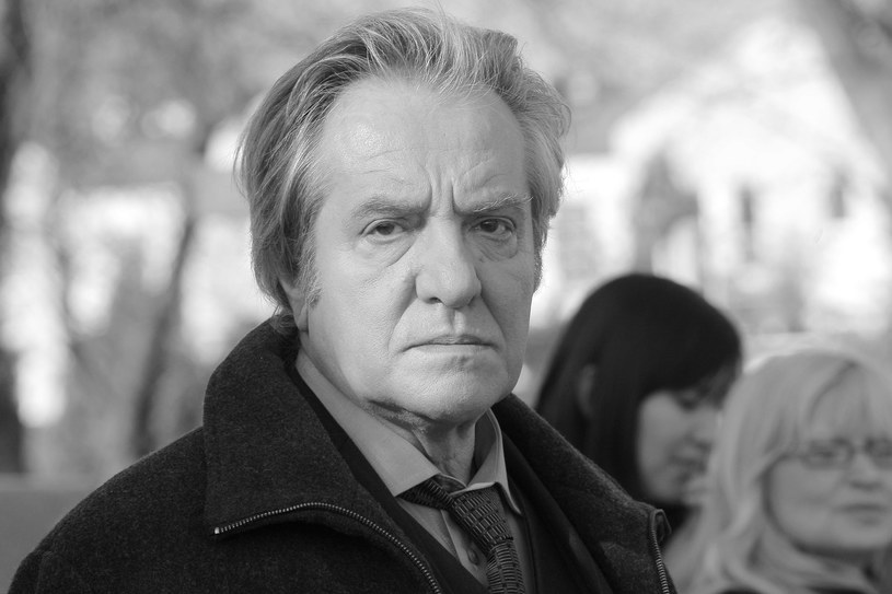"Jerzy Grałek na planie serialu ""Samo życie"" (2009) /AKPA"