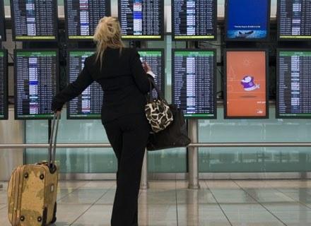 Jeśli chcemy wyglądać i czuć się pięknie po podróży samolotem, do lotu należy się dobrze przygotować /Getty Images/Flash Press Media