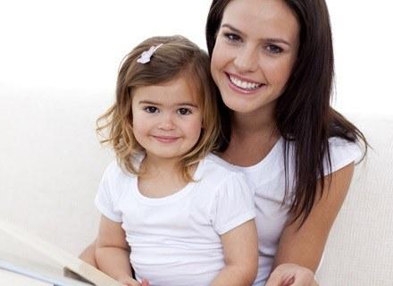 Jeśli chcesz, aby twoje dziecko umiało cieszyć się życiem naucz je optymizmu /© Panthermedia