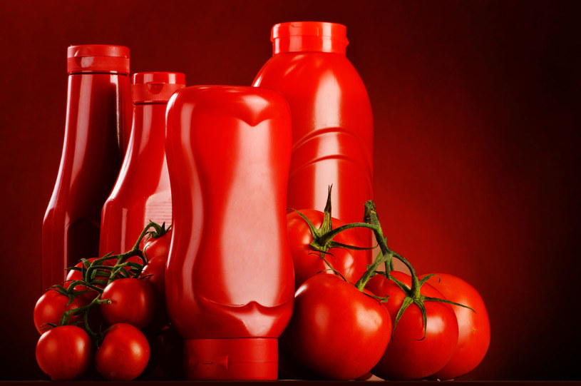 Jeśli cierpisz na bóle głowy, lepiej uważać z ketchupem /©123RF/PICSEL