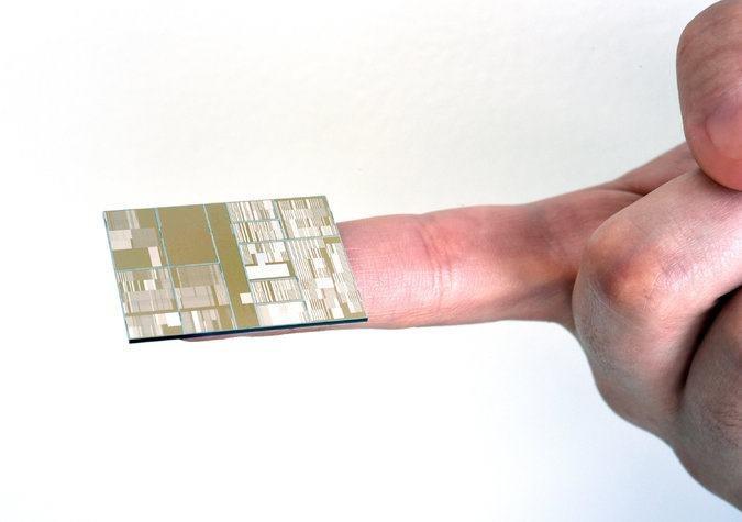 Jeśli IBM wyprodukuje procesory w tej technologii - będzie lepszy od Intela, Fot. IBM /materiały prasowe