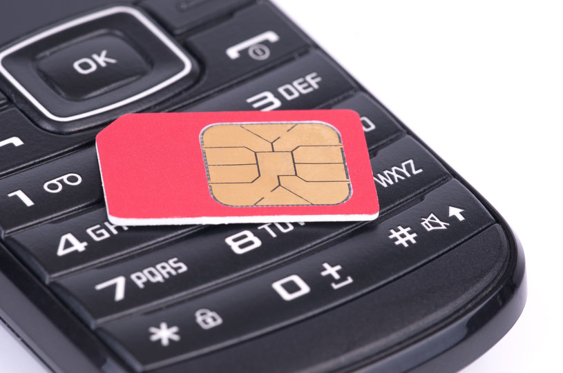 Jeśli ktoś chce kupić zarejestrowaną kartę SIM z nielegalnego źródła - można to zrobić bez problemu /©123RF/PICSEL
