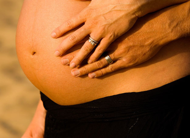 Jest wiele metod łagodzenia bólu porodowego /ThetaXstock