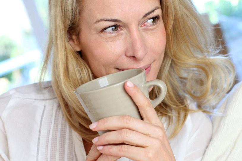 Jesteś tym, co jesz i pijesz. Zadbaj o to, by w twojej diecie i codziennych nawykach nie zabrakło zdrowych produktów /©123RF/PICSEL