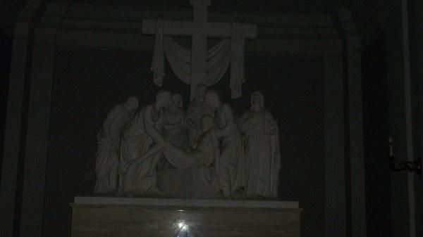 ...posepny oltarz w kaplicy zalobnej