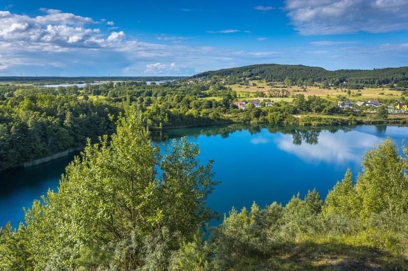Jezioro Turkusowe zachwyca nietypowym kolorem wód /123RF/PICSEL