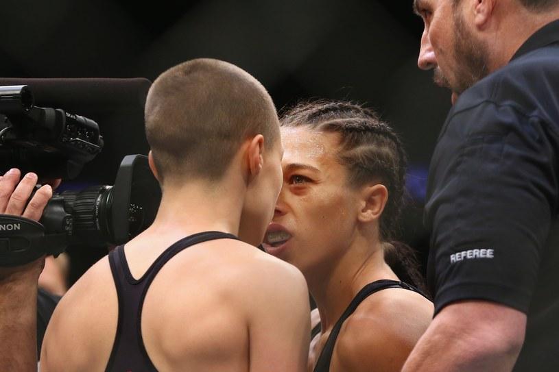 Joanna Jędrzejczyk i Rose Namajunas (tyłem) /AFP