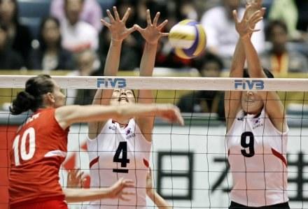 Joanna Mirek oraz jej koleżanki pokonały Koreanki /AFP
