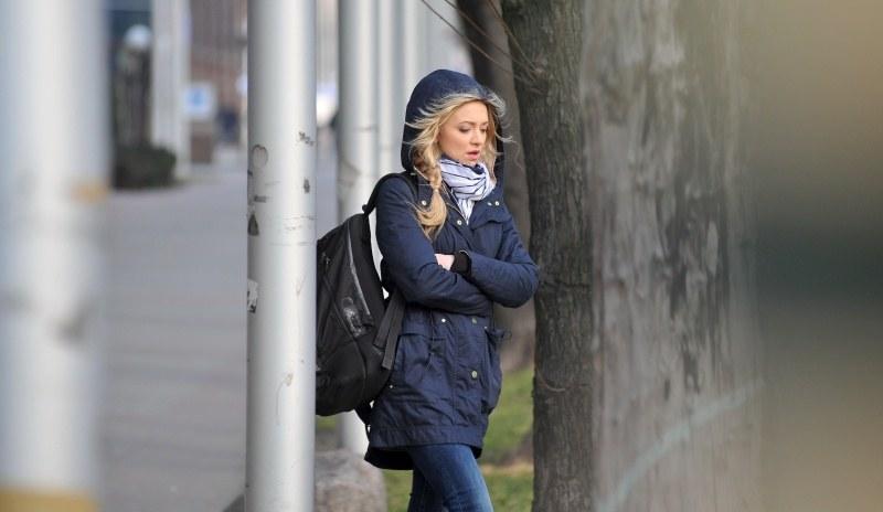 Joanna skorzysta z zamieszania i ucieknie przed Tomkiem, który zgłosi sprawę na policji. /Agencja W. Impact