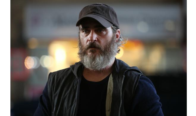"""Joaquin Phoenix w filmie """"Nigdy cię tu nie było"""" /Materiały prasowe"""