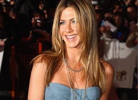 Joga wzmocniła Jennifer Aniston emocjonalnie /Getty Images/Flash Press Media