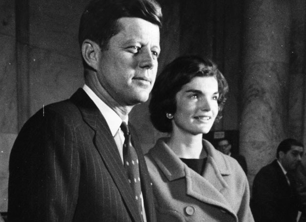 John F Kennedy i Jacqueline Kennedy /Getty Images/Flash Press Media