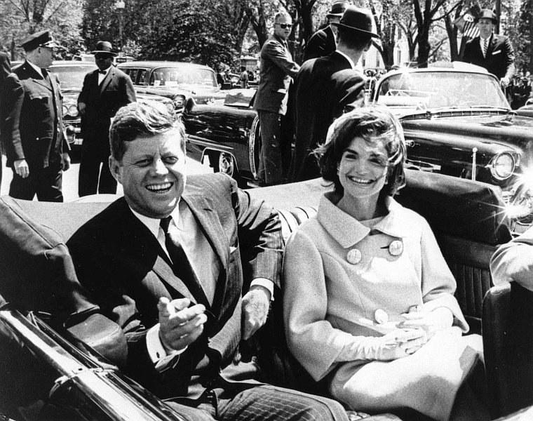 John F. Kennedy z żoną /ABBIE ROWE /PAP/EPA
