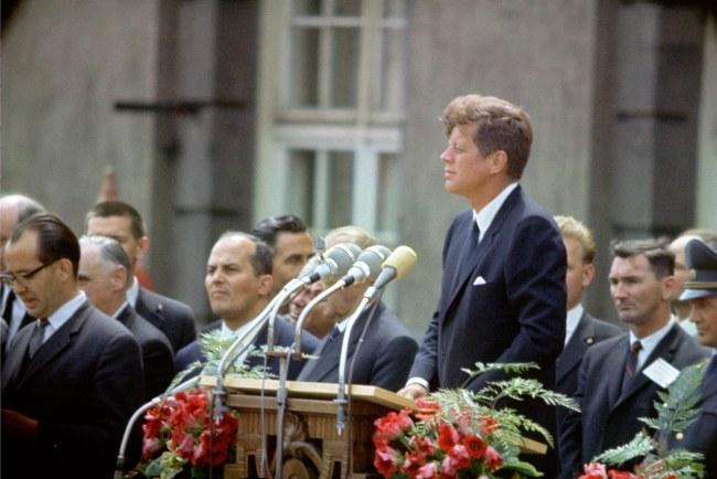 John Fitzgerald Kennedy w Berlinie w 1963 roku /Heinz-Jürgen Göttert /PAP/EPA