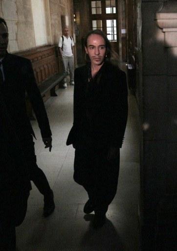 John Galliano w paryskim sądzie  /AFP