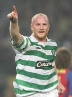 John Hartson przedłużył kontrakt z Celtikiem Glasgow o kolejne dwa lata /AFP