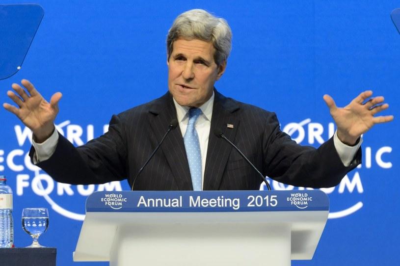 John Kerry podczas trwającego w Davos Światowego Forum Ekonomicznego /PAP/EPA