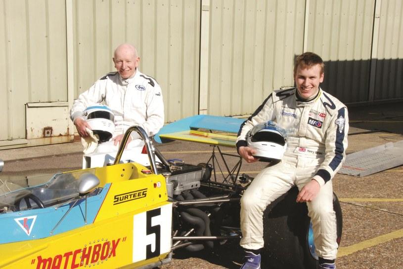 John Surtees z synem Henrym, który w 2009 roku, w wieku 18 lat, zginął na torze Brands Hatch /