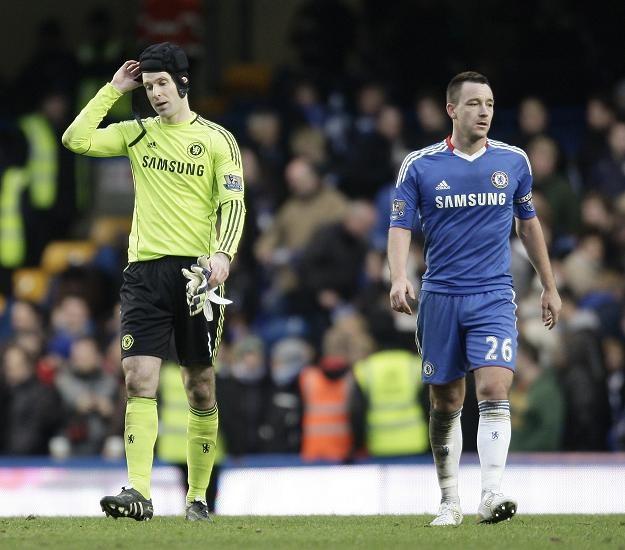 John Terry (z prawej) i Petr Czech zawiedzeni po remisie z Aston Villa Birmingham /AFP