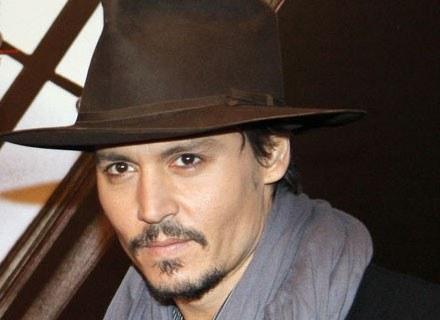 Johnny Depp boi się klaunów /AFP