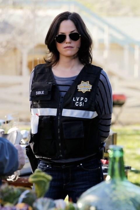 Jorja wciela się w Sarę, śledczą i analityk. Jej bohaterka często znika z serialu, gdy aktorka nie może dogadać się z producentami. /materiały prasowe