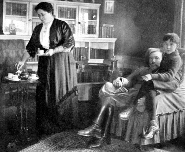 Joseph Conrad z żoną i synem /Agencja FORUM