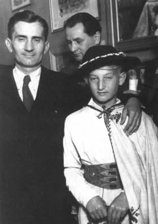 József Antall z polskim chłopcem* /
