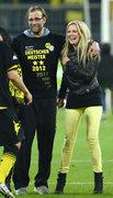 Juergen Klopp po latach triumfów żegna się z Borussią Dortmund. U jego boku zawsze jest wierna fanka, żona Ulla. Jakiej drużynie będzie teraz kibicować?